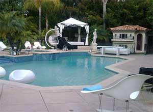 La cuccia ha ovviamente la vista sulla piscina